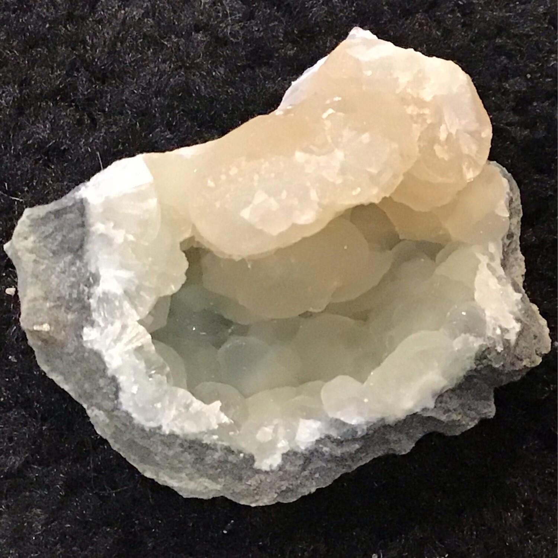 Small Prehnite