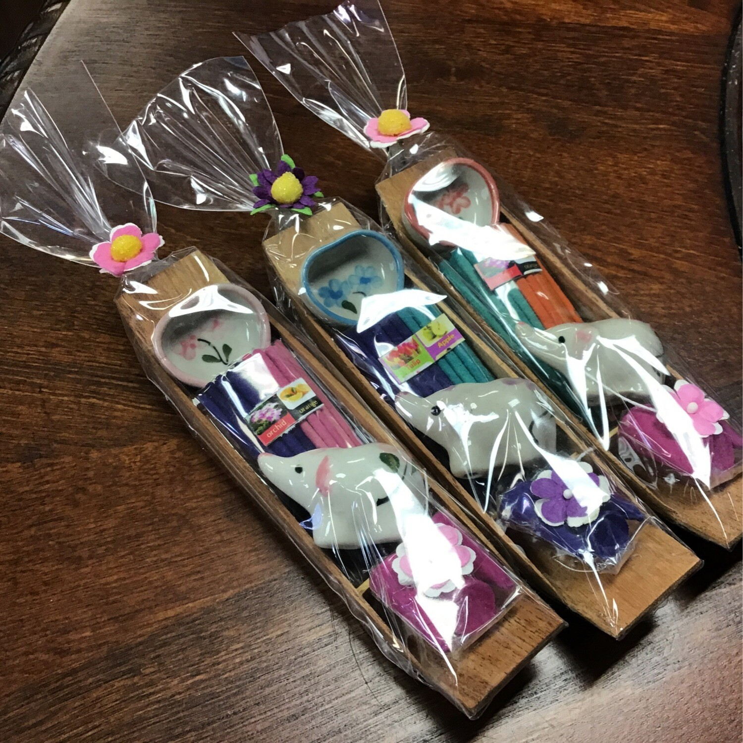 Lucky Elephant Gift Set Incense Burnerwith Sticks and Cones