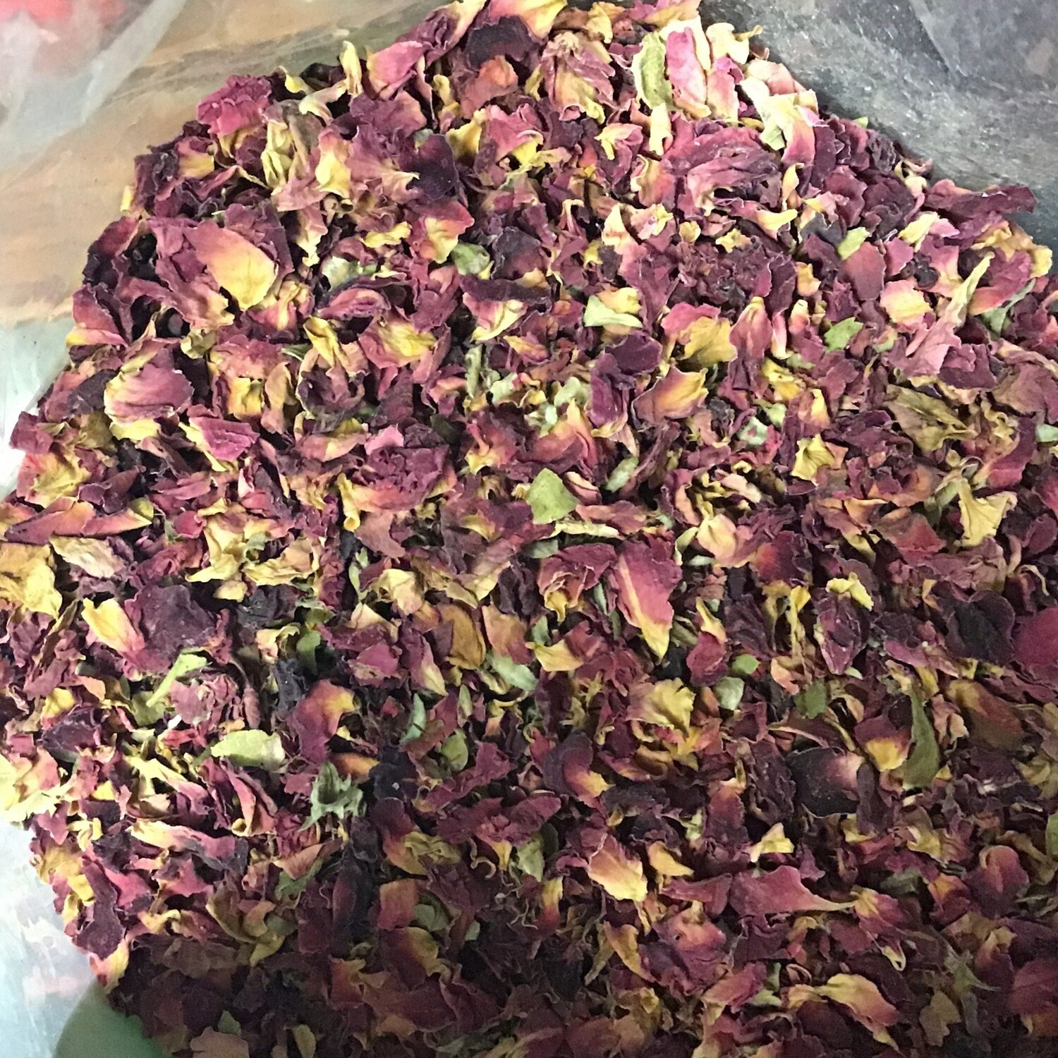 Red Rose Petals Sold by Oz