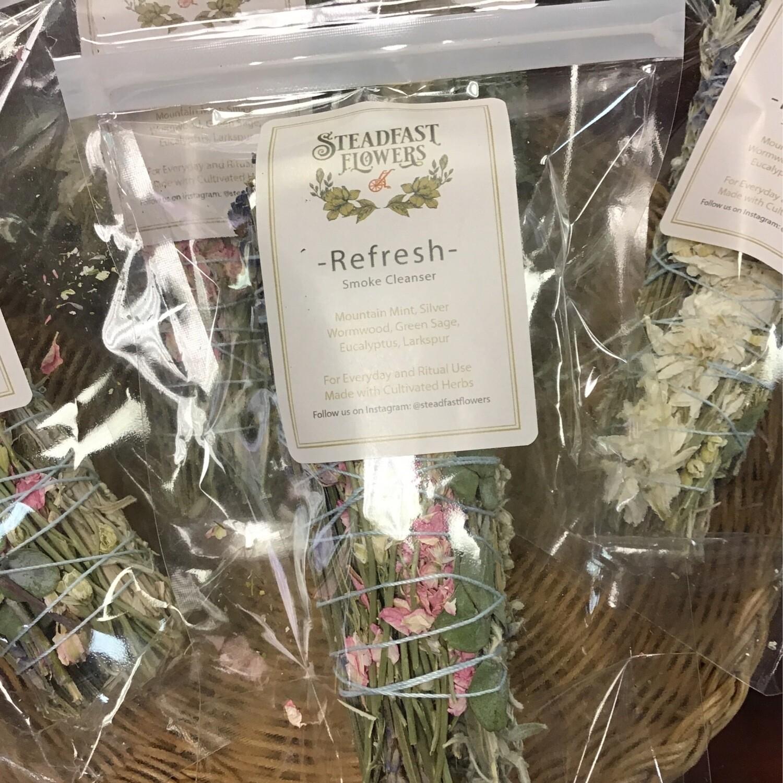 Refresh Smudge Mountain Mint, Wormwood, Sage, Eucalyptus &Larkspur