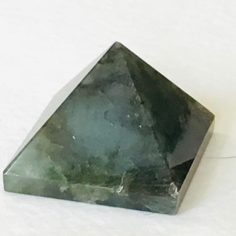 Labradorite Pyramid 34-37mm