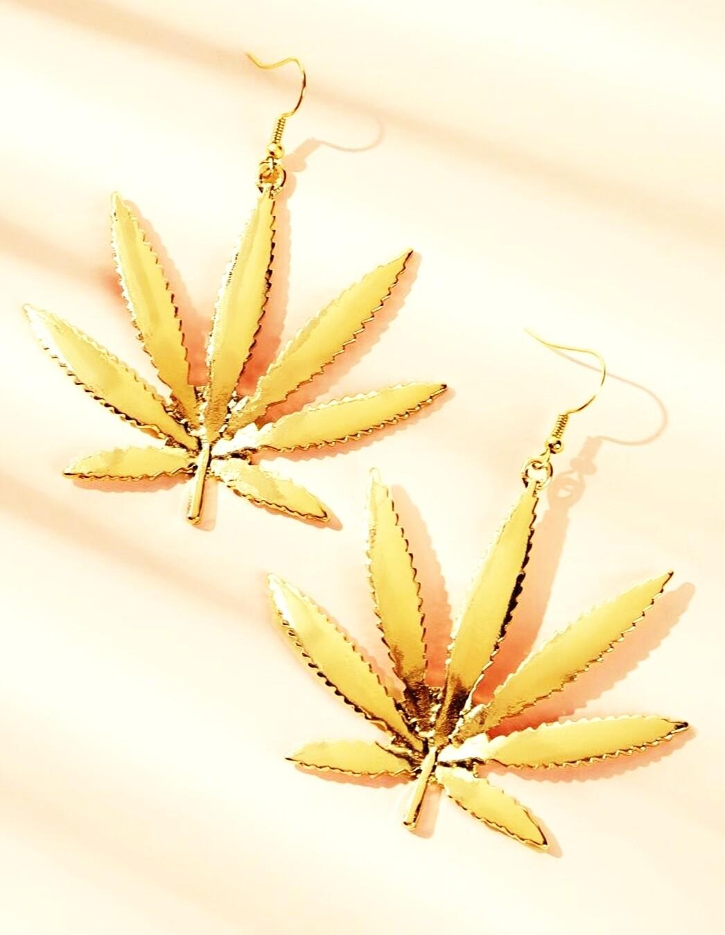 Gold hemp earrings