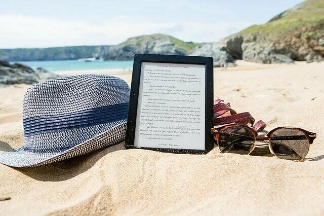Digital Wallpaper- perfect beach day