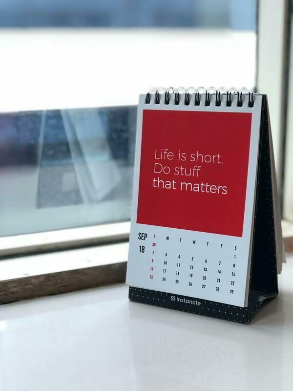Digital Wallpaper- life is short