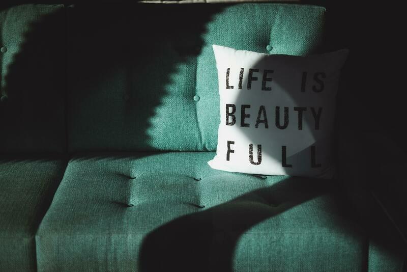 Digital Wallpaper- life is beautiful