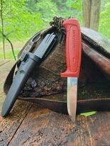 Mora 511 Fixed Blade in Brick