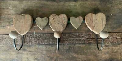 Heart 3-hooks Coat Hanger in Wood and Metal - 43x17x10cm