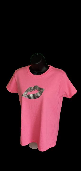 """""""Smooches"""" Women's T-Shirt"""