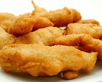 Persico - Egli-Knusperli im Bierteig  serviert mit Pommes frites