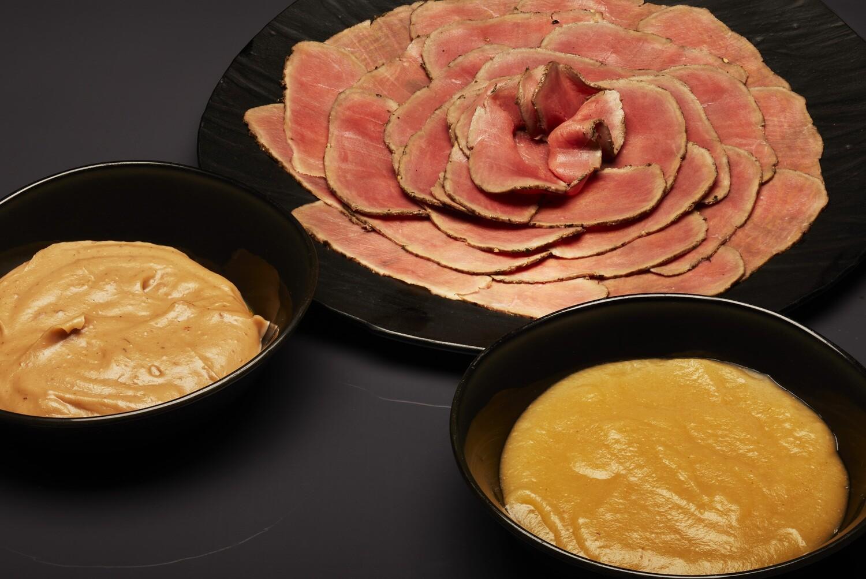 Roast Beef de lomo de ciervo, compota de manzana y puré de castañas (para dos personas)