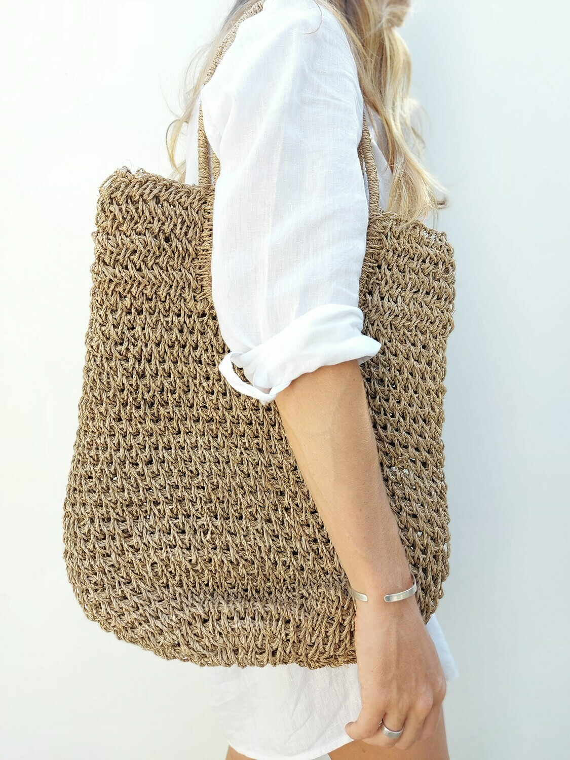 Handmade shopping bag from water hyacinth