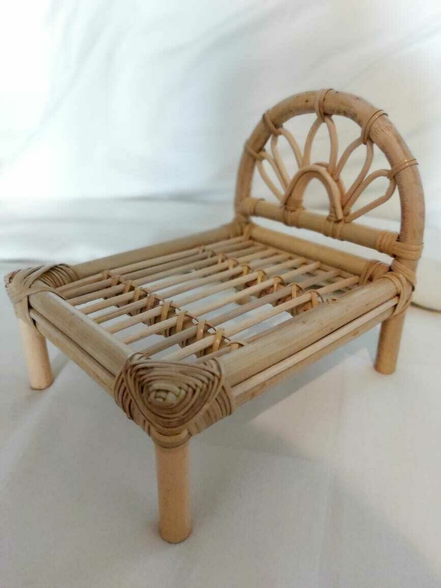 Dollhouse rattan bed