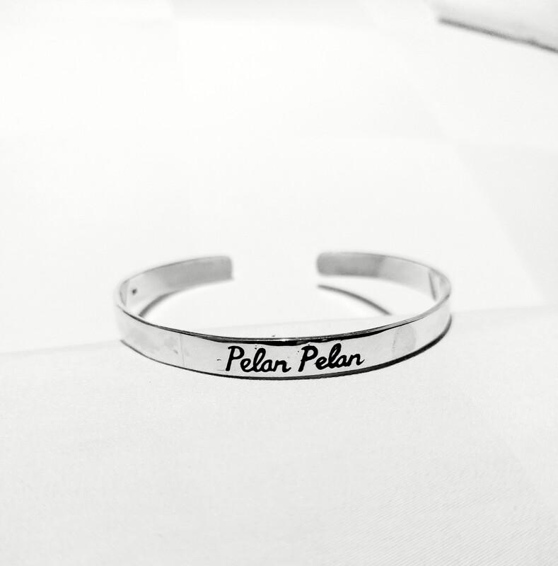 Silver Pelan Pelan bracelet
