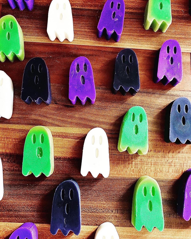 Little Ghosts- Happy Halloween