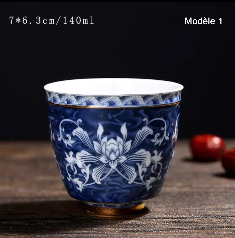 4 TASSES A THÉ en porcelaine de Jingdezhen peintes à la main