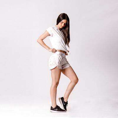 Shorts Blanco Con Dorado