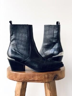 Lola Cruz Indira Boots