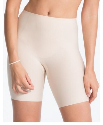 Mid-thigh short 10005Rb02 Soft Nude Spanx