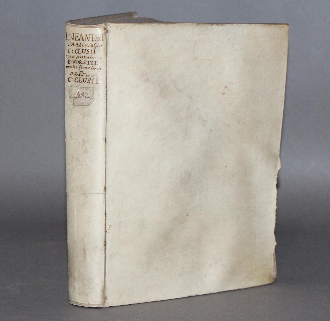 """NEANDER.- La meilleure édition du """"Traité du tabac"""" de Neander reliée avec l'édition originale des """"Œuvres posthumes"""" de Charles de L'Ecluse, 1626."""