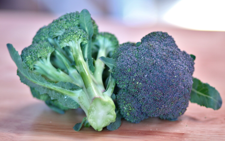 Broccoli - Live Earth Farm (1 bunch)