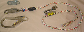 16mm Post rope / Support rope with adjuster, FS51 with hook. Rope length 1.9m total length about 2m.