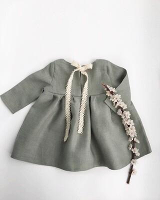 Платье с лентой на спине полынь