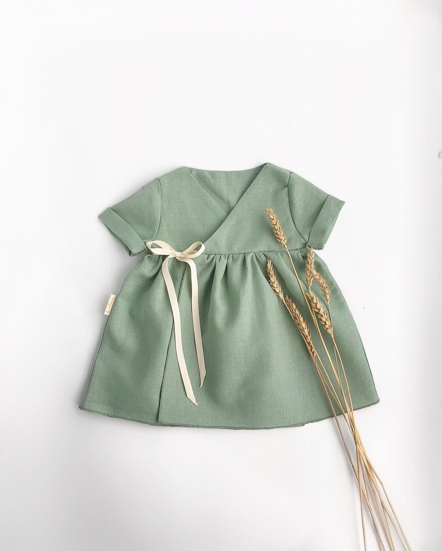 Платье мятное на запах с короткими рукавами