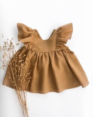 Платье с рюшами без рукавов