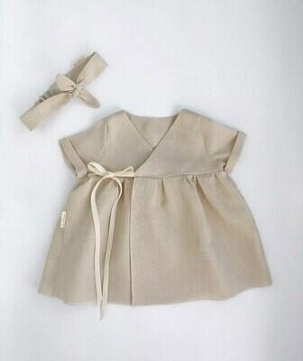 Платье песочное на запах с короткими рукавами
