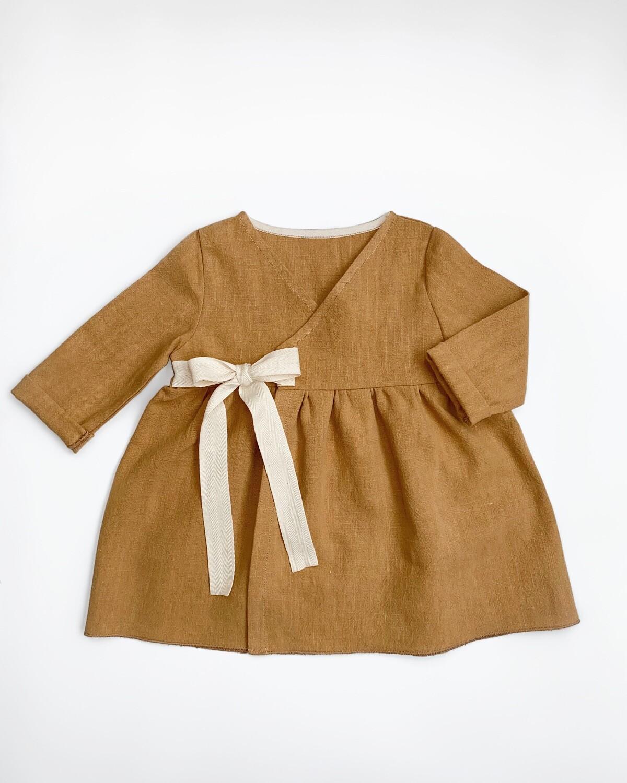Платье Кэмэл на запах с длинными рукавами