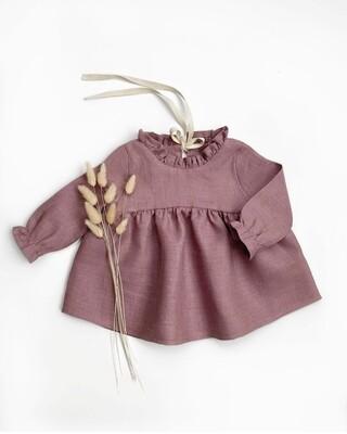 Платье Лиловое с мелкой рюшей на шее и лентой
