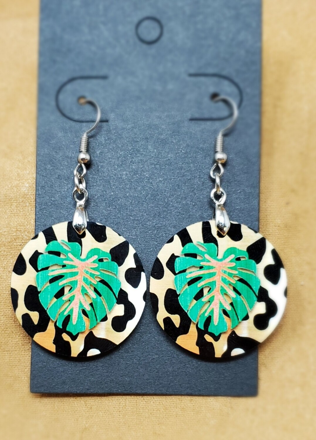 Leaf Small Round Earrings