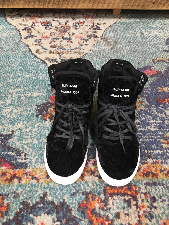 Supra Black Velvet High Tops Size 7.5