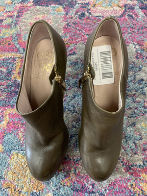 Vince Camuto Olive Green Leather Heels - Size 5.5