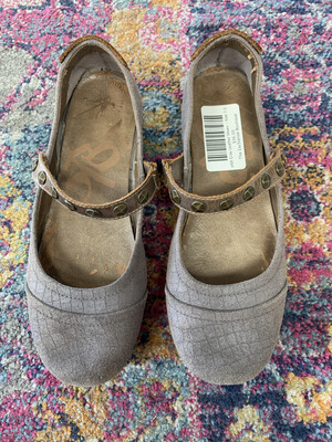 otbt Gray Leather Shoes - Size 7.5