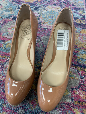 Vince Camuto Nude Wedges - Size 7.5