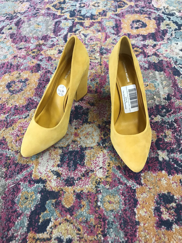 Antonio Melani Mustard Chunky Heels - Size 8.5