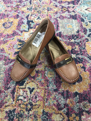 Naturalizer Tan Loafer - Size 9