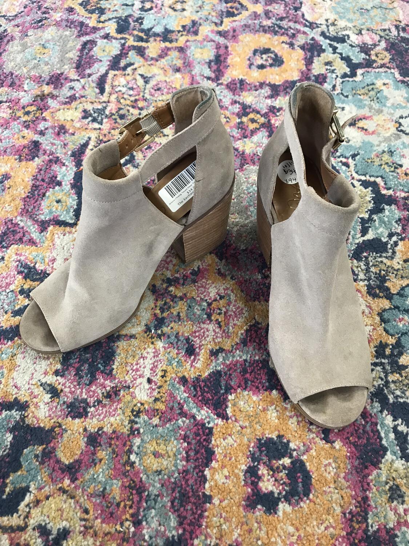 Arturo Chiang Taupe Peep Toe Shoes - Size 10