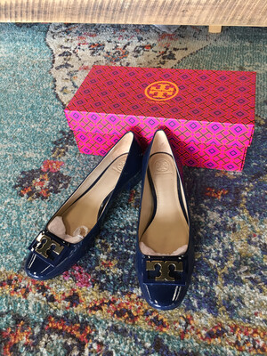 Tory Burch Blue Patent Leather Gigi Pumps - Size 8