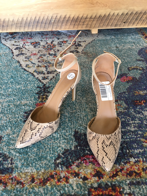 Bamboo Tan Snake Skin Strap Heel - Size 10