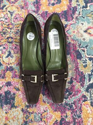 Ann Taylor Brown Suede Heels - Size 7.5