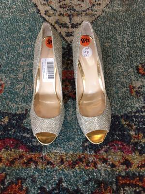 Nine West Silver Shimmer Heels - Size 9.5