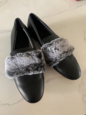 Zara Woman Black Fur Loafers - Size 39