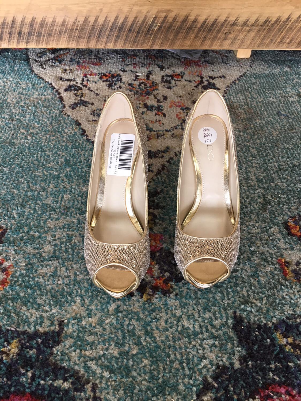 Aldo Gold Shimmer Heels - Size 7.5