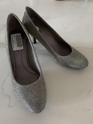 Life Stride Silver Shimmer Heels - Size 10