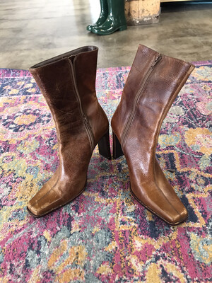 Steve Madden Brown Boots - Size 7.5