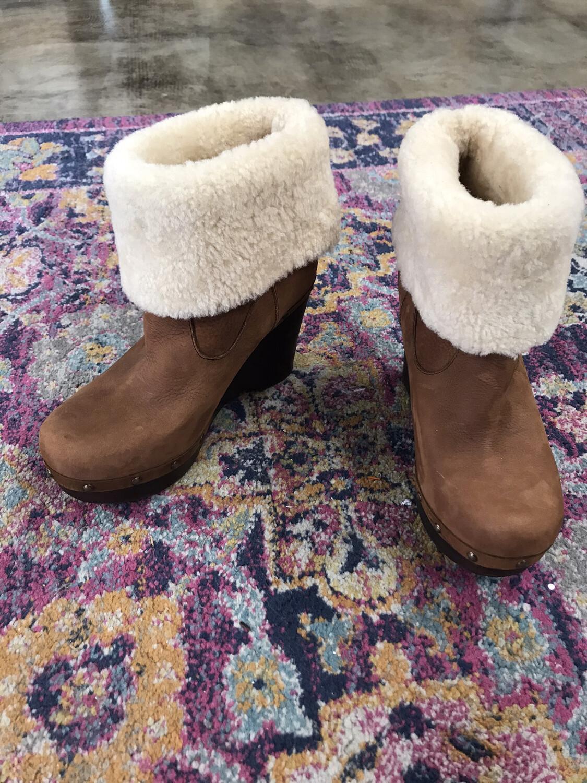 UGG Brown Sherpa Booties - Size 8