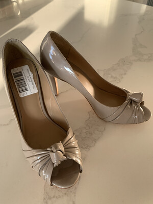 Ann Taylor Nude Peep Toe Patent Leather Heels - Size7.5