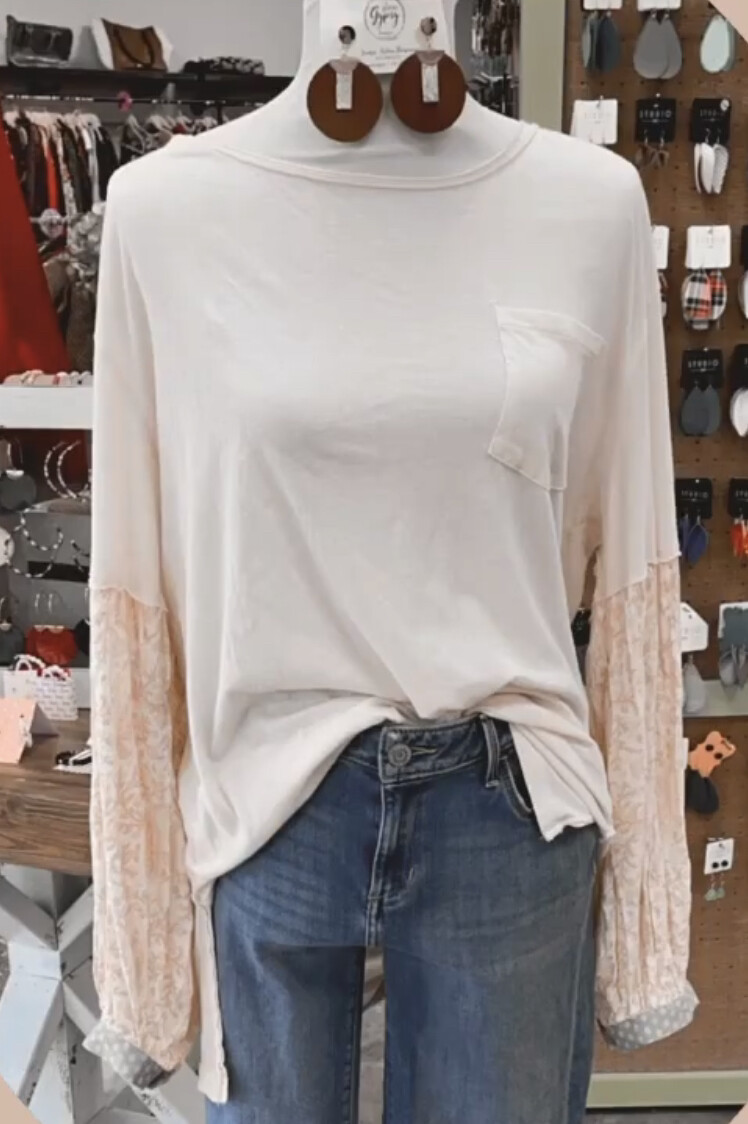 We The Free Ivory Patterned Sleeve Pocket Top - L
